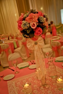 "24"" Pilsner Vase with Flower Ball (+30 other glass vase options)"